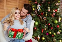 graphicstock-young-couple-in-sweaters-with-gift-near-the-fir-tree-girl-sitting-on-chair-man-kissing-girl_H8JgKnvX_hl-218x150 صفحه اصلی